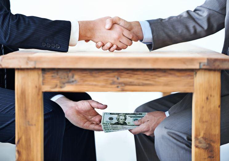 """Со """"врзани раце"""" антикорупционерите ги контролираат политичките партии!"""